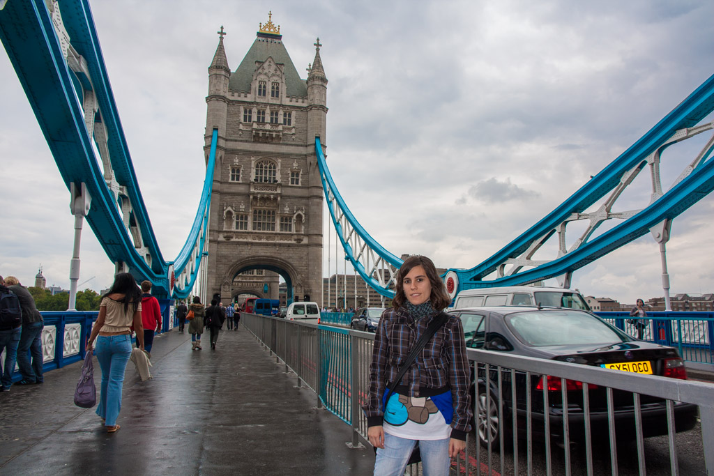 Laura en el Tower Bridge de Londres